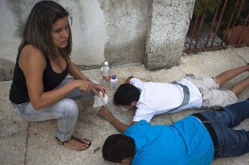 VECINOS DE LA PLAZA ALTAMIRA EN CARACAS, AFECTADOS POR LA OLA DE PROTESTAS