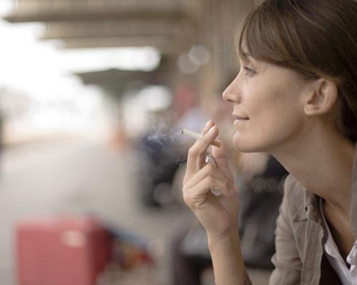 Mejor que no hacer nada es ir reduciendo la cantidad de cigarrillos de forma gradual, pero potenciando el apoyo para aumentar las posibilidades de triunfo