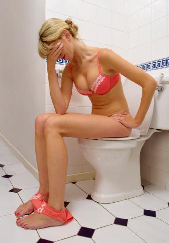 Si la levantarse varias veces en la noche para ir al baño, se ha convertido en un problema se recomienda consultar al urólogo.